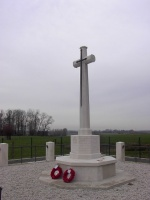 Cross of Sacrifice op de RE Grave Railway Wood